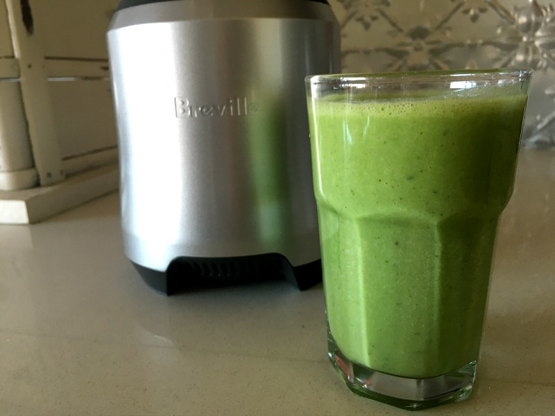spiced banana green smoothie with the Breville Boss to Go