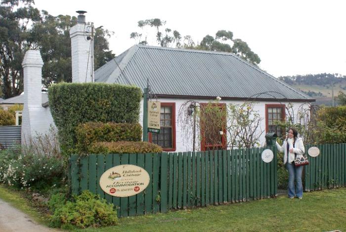 Tassie - Hollyhock Cottage Richmond
