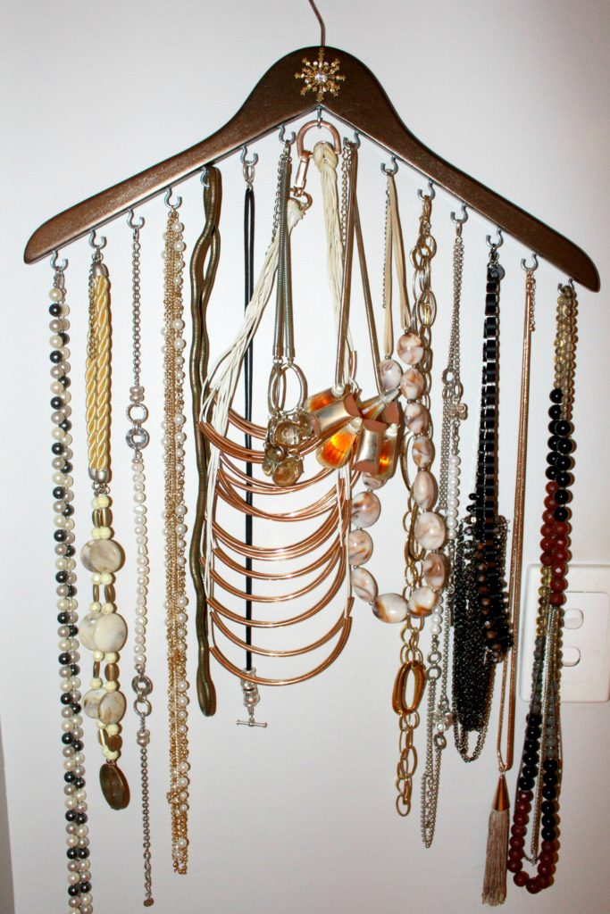 DIY Jewellery Hanger Organiser 1