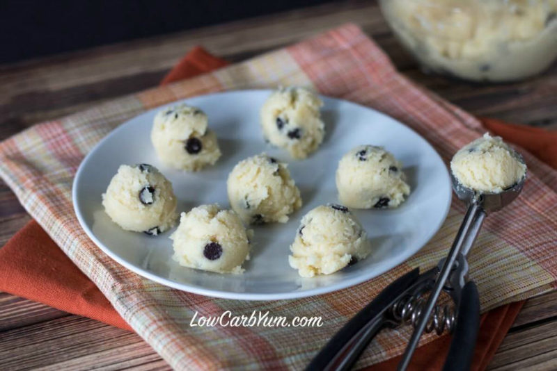 Low carb snacks -low-carb-chocolate-chip-cookie-dough-bites-recipe