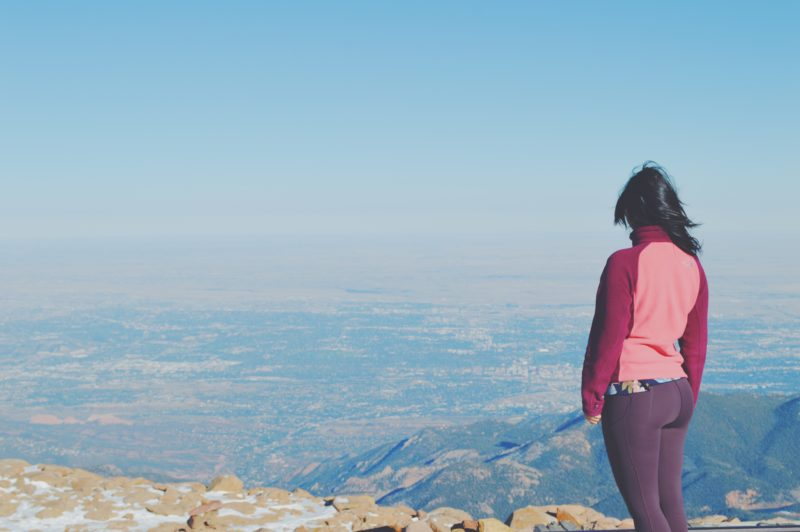 blogger solo travel