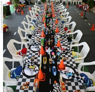 race car party table decorations