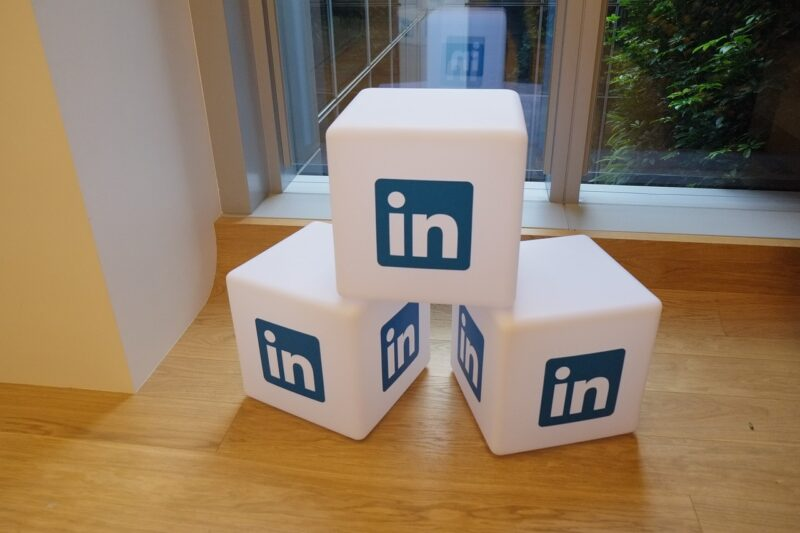 LinkedIn tips to build profile
